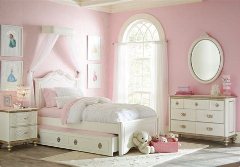 childrens princess bedroom furniture best 25 toddler bedroom furniture sets ideas on pinterest baby toddler furniture baby