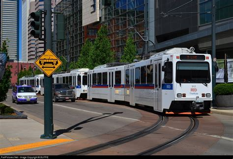 denver co light rail locomotive details