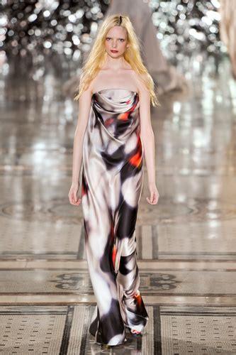 Diskon 10 Gamis Esme Maxi Dress The Secret Of Central Java E 050230 maxi catwalk yourself