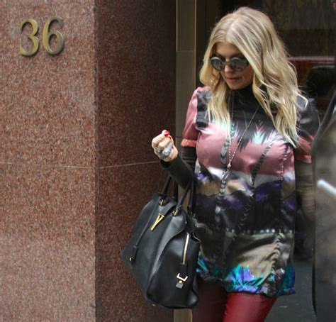 Fergies Balenciaga Bag by Fergie Carries Laurent S New Cabas To A Recording