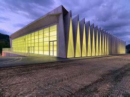 illuminazione palestre palestre progetti architettonici su architonic