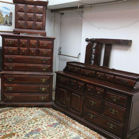 link taylor solid settlers white pine bedroom set