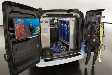 Topi Trucker Dive Master1 mopar delivers ram promaster city divemaster and dragmaster to sema carscoops