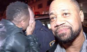 cuba gooding jr oj simpson series cuba gooding jr hugs police officers after debut of oj