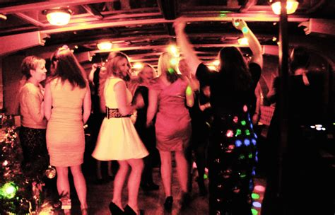 boat xmas party christmas party cruises available on the thames
