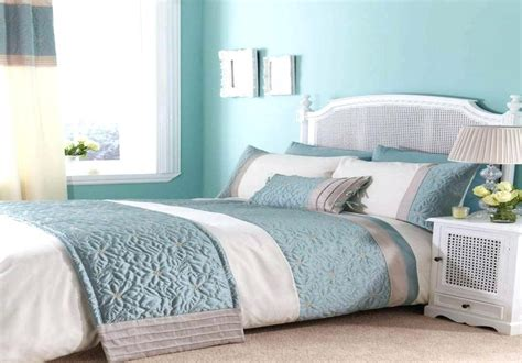 Blue And Silver Bedroom Decor by Grey And Blue Bedroom Decor Stylish Use Of Gray In A Light