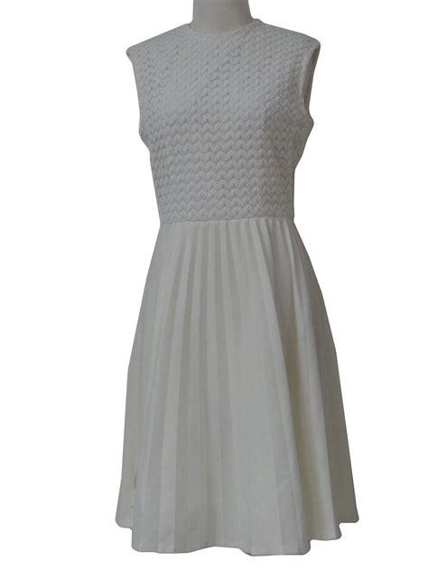 women zig zag pattern below knee corduroy pleated skirt 1960 s dress 60s no label womens white and off white