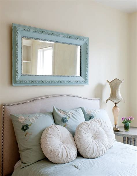 mirror over bed 25 best ideas about horizontal mirrors on pinterest