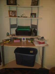 Craigslist Corner Desk by Fabulous In Four Hundred Square Decorating A Small Space On A Small Budget Page 2
