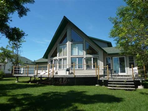 lake houses airbnb beautiful lakefront quot a quot frame with hot tub vrbo