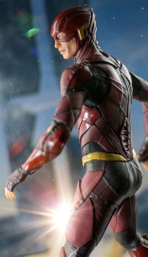 justice league classic i am the flash i can read level 2 justice league 2017 the flash 13 statue by dc comics