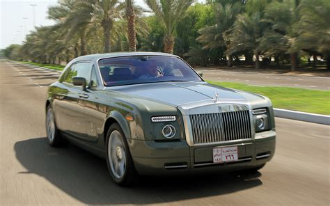 rolls royce front rolls royce phantom coupe front end in motion 5 jpg photo 39