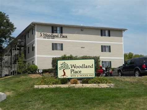 Apartments At Iowa Phone Number Woodland Place Apartments Flats 4957 Woodland Ave
