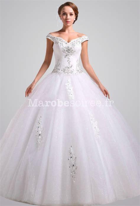 Robe de mariée princesse joli décolleté épaule large