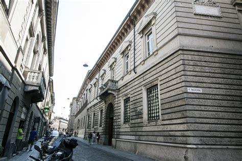 banche cremona dal centro fuggono anche le banche struttura commerciale