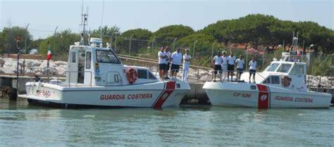 capitaneria di porto jesolo la guardia costiera di jesolo ferma dodicenne in tender a