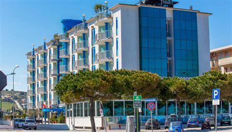 vacanze abruzzo mare offerte hotel 4 stelle sul mare per vacanze a tortoreto