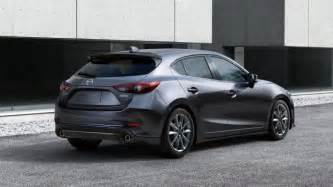 both models will have a six rate manual gearbox as standard whereas a