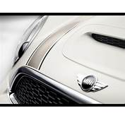 2013 Mini Clubman Hyde Park  Emblem 1920x1440 Wallpaper