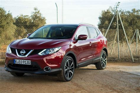 nissan crossover 2014 2014 nissan qashqai 1 2 dig t review the crossover