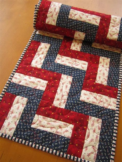 Patchwork Table Runner Pattern - 25 best ideas about quilted table runner patterns on