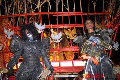 Piring Borobudur Jogja 1 jelajahunik jogja java carnival 2011 kembali digelar