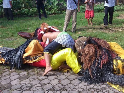 Ekor Kuda Buntut Jaran 90cm about puspito turonggo putro singo barong jaran kepang