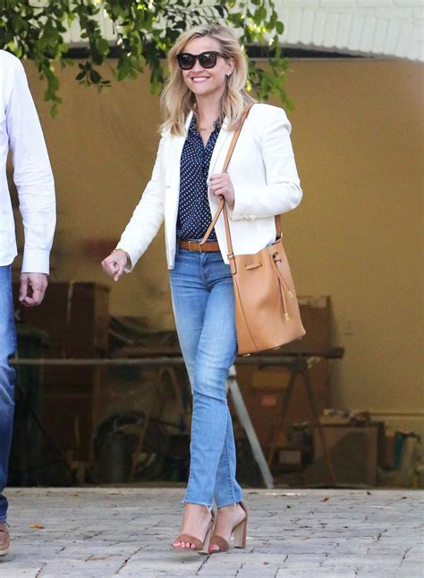 reese witherspoon house reese witherspoon leaves her new house in pacific palisades hawtcelebs hawtcelebs