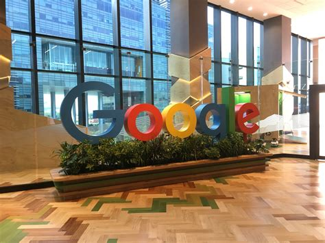 google office in usa google invited pm lee to their shiny new singapore cus