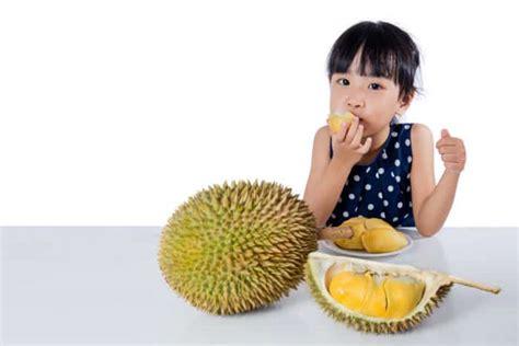Wanita Menyusui Boleh Makan Durian Kenapa Ibu Harus Melatih Bayi Untuk Bisa Tengkurap Sendiri