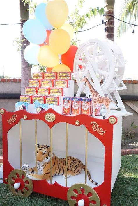 circus theme decoration ideas best 25 circus decorations ideas on carnival