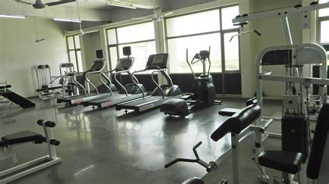 fitness center file fitness center jpg wikimedia commons