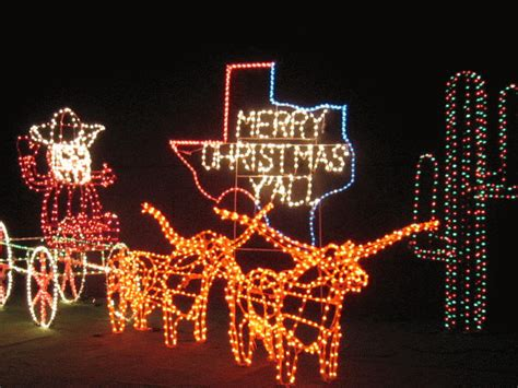 How To Decorate Front Yard - 19 very texan christmas decorations