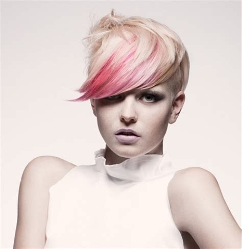 highlighting pixie hair at home 15 ideas for blonde highlights short hair