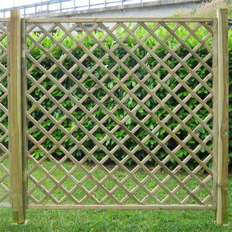recinzioni in legno per terrazzi mobili tv soggiorno