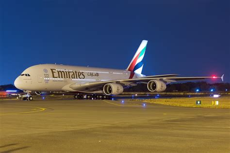 emirates a380 emirates airline having problems with the new a380 engines