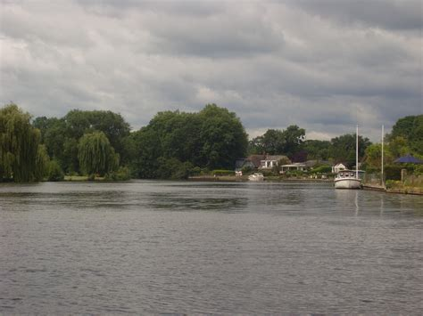 thames river near hounslow gallery