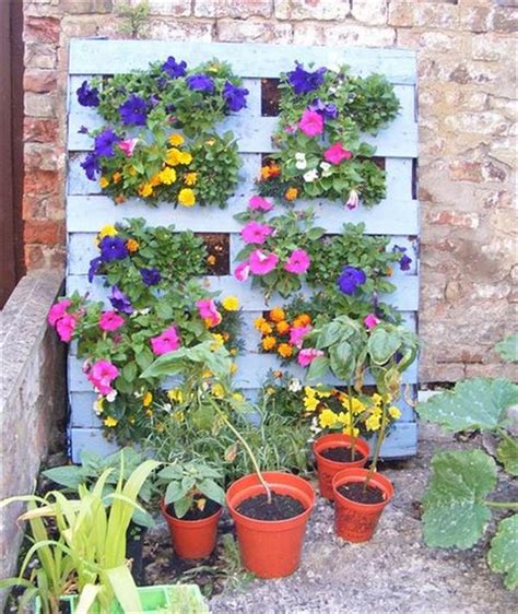 Wow I Want To Make Diy Recycled Pallet Vertical Garden For How To Build A Vertical Garden Wall