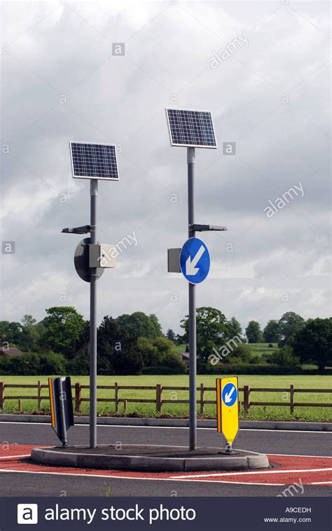 solar powered sign lights solar powered road lights solar lights blackhydraarmouries