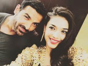 Srk Home Interior John Abraham With Sanam Jung In Jago Pakistan Jago