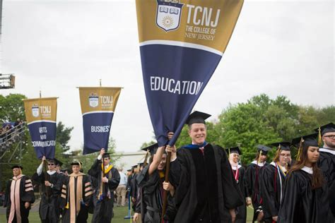 Tvnj Mba Admissions by Commencement 2014 School Of Business