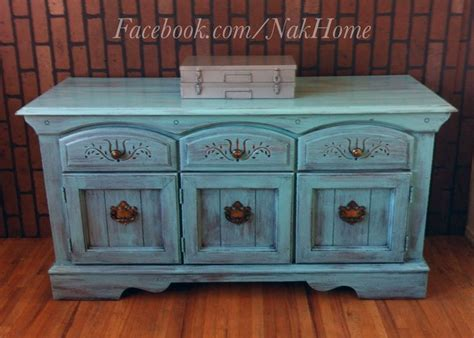 how to distress furniture shabby chic 34 best images about painted distressed shabby chic furniture on antique desk paint