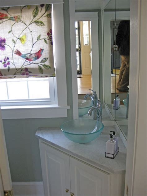 bathroom sink mirror best 25 small powder rooms ideas on pinterest mirrored