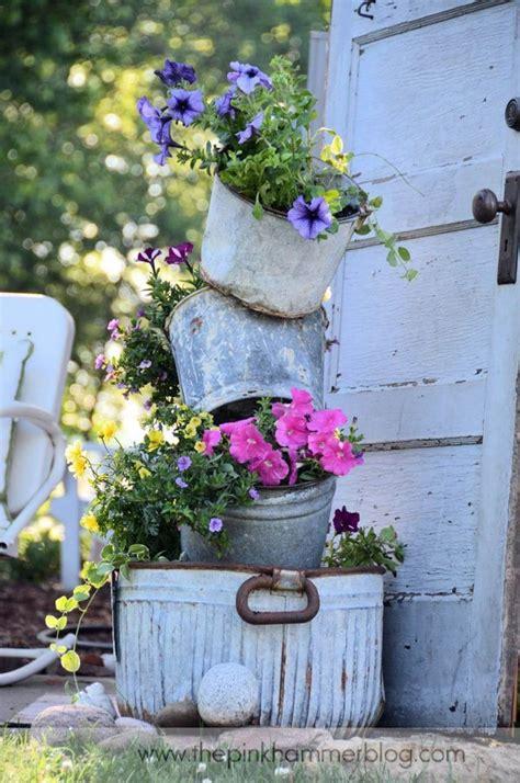 vintage garden decor ideas  give  outdoor space