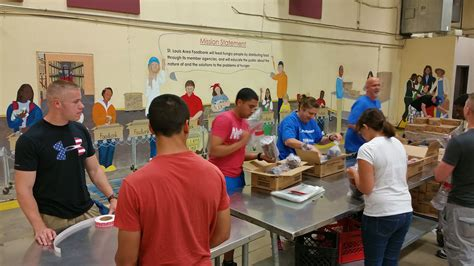 St Louis Food Pantry Volunteer Opportunities by Airmen Families Help At Food Bank Gt Air Base