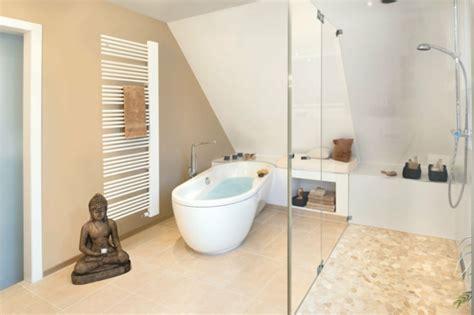 bodenbeläge fürs bad dekor badezimmer wandfarbe