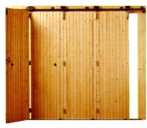 portes de garage coulissantes et battantes en bois