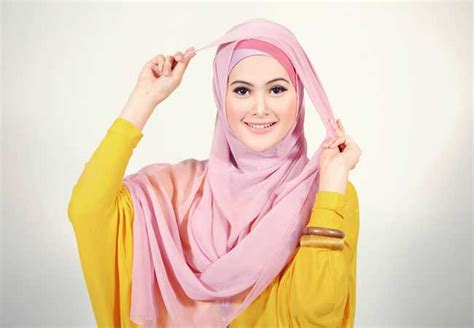 Model Jilbab Persegi Empat Tips Memakai Model Jilbab Segi Empat Bagi Tipe Wajah Bulat