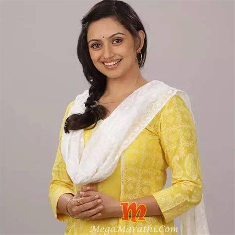 shruti marathe actress marathi shruti marathe marathi actress biography photos images pics