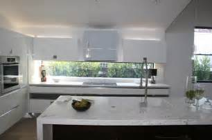 Kitchen Faucets Los Angeles White Laquer And Dark Oak Kitchen